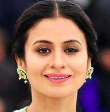 https://helphindime.in/rasika-dugal-jivani-biography-family-film-career-life-partner-in-hindi