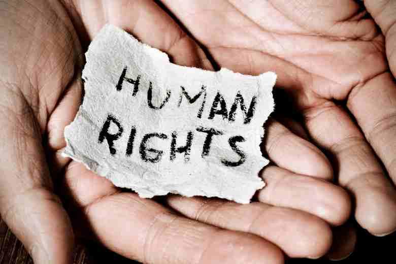 Human Rights Essay in Hindi